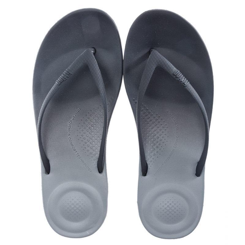 Boty Fit Flop Womens iQushion Ombre Ergonomic Flip Flops Black Grey