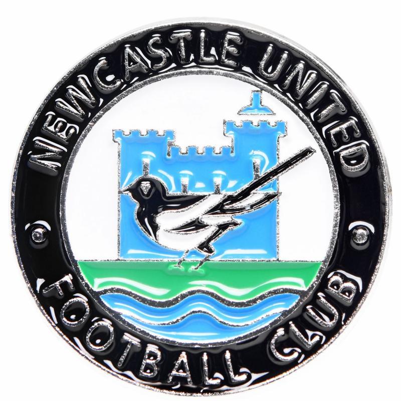 NUFC Retro Pin Badge Black