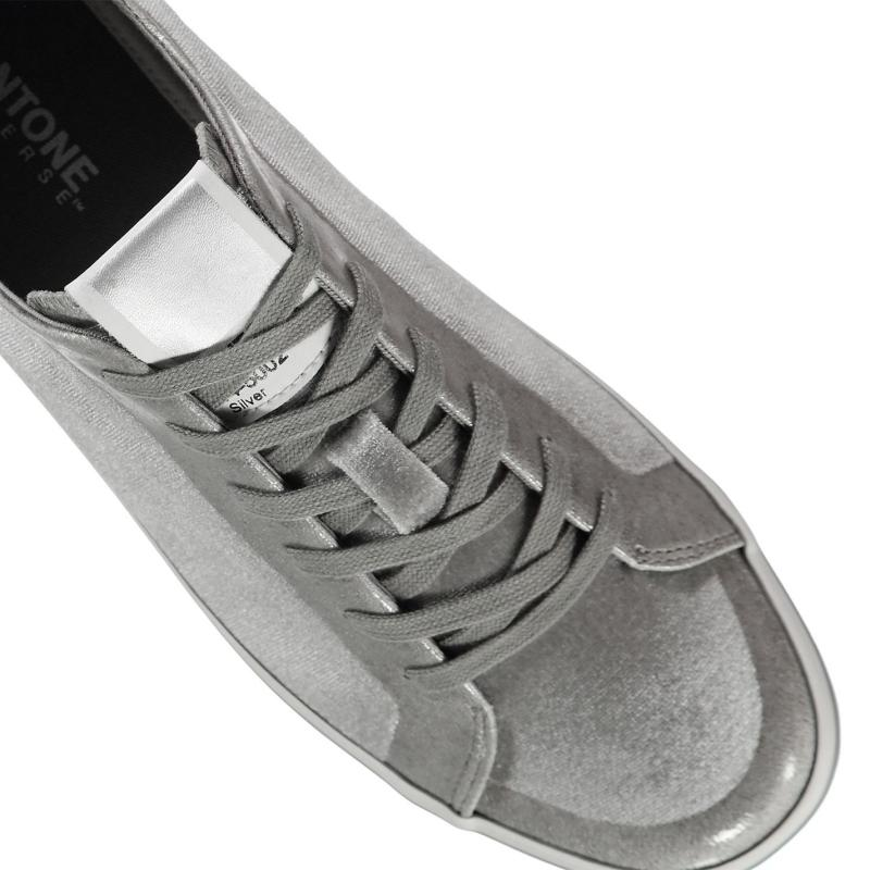 Pantone Rea Low Trainers Silver